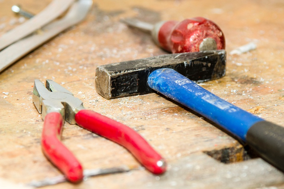 Keep in mind that you won't be able to start any DIY project without the tools for DIY Home Redecoration