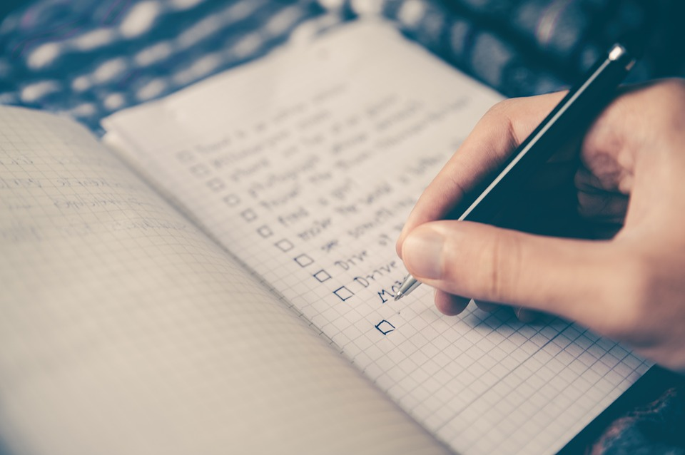 Moving checklist is essential if you wish your move to go smoothly.
