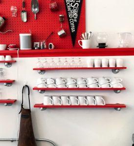 open shelves as a way to decorate small kitchen