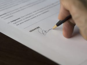 read and see if there are all elements of a valid moving contract before signing