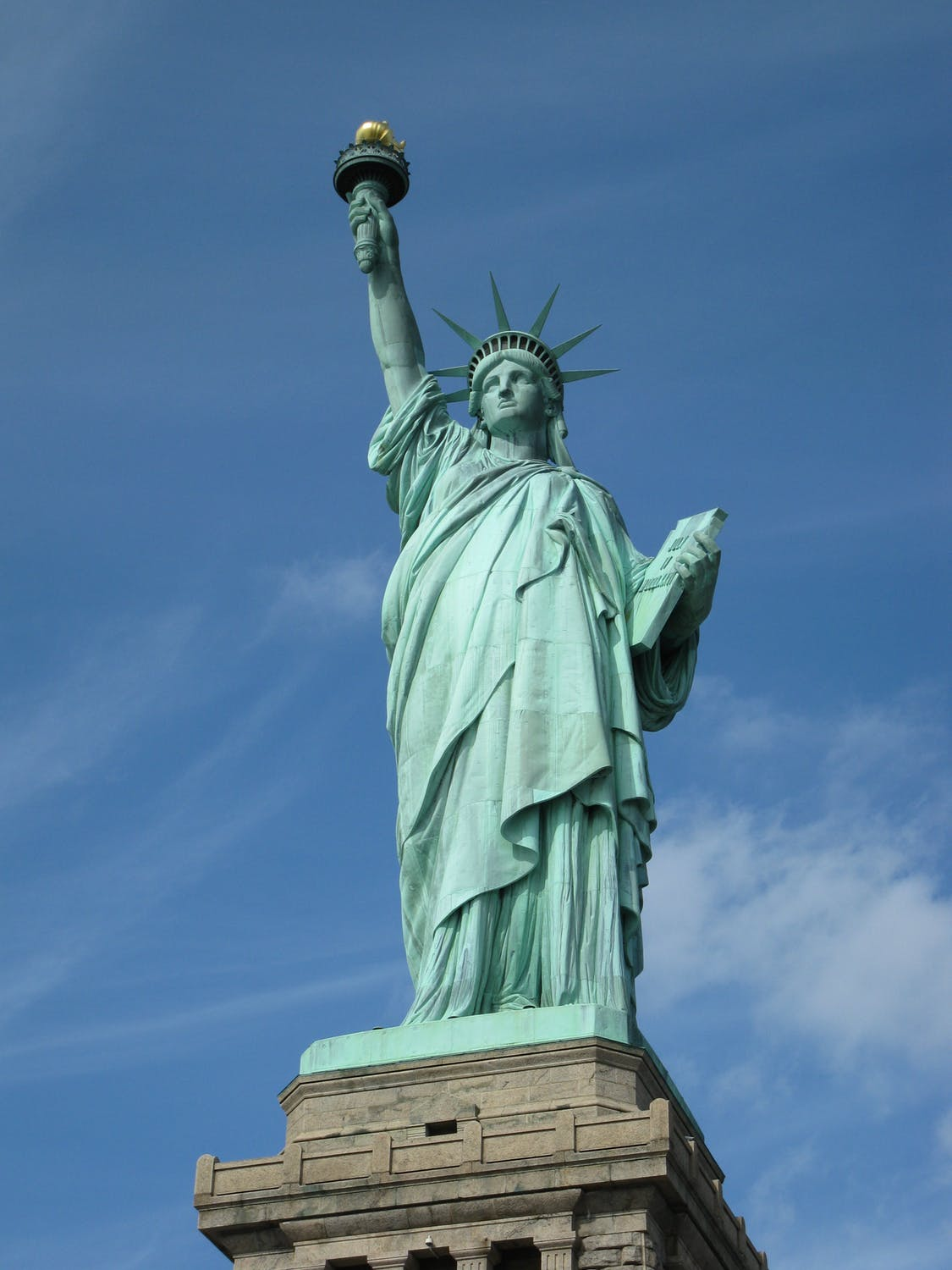 statue of liberty - we are the best when it comes to furniture moving in New York City